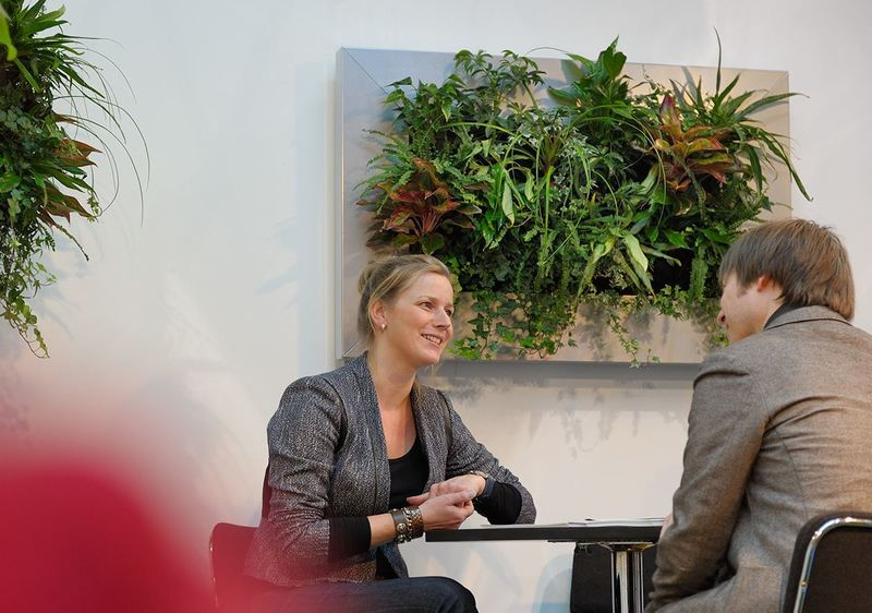 2a Live Picture mini Green Walls look superb in offices, receptions and meeting rooms
