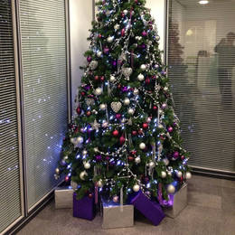 Christmas Tree 9 Ft Artificial Hired To Birminghams Financial District B3 2 Hj