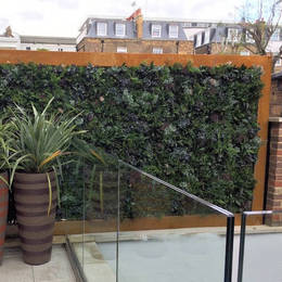 Artificial Exterior Green Wall on a Roof Terrace