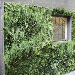 Artificial Green Wall with Realistic Mixed Foliage Planting